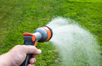 Sparen bei der Rasenbewässerung